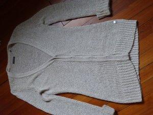 Hochwertige Strickjacke aus Bändchengarn