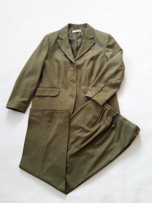 Hochwertiger Hosen-Anzug von Charmant