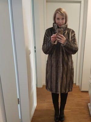 Montgomery Abrigo de piel sintética marrón grisáceo-marrón