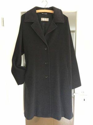 Hochwertiger Mantel Max Mara aus reiner Schurwolle