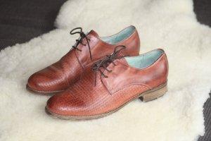 hochwertiger Schnürschuh aus Leder