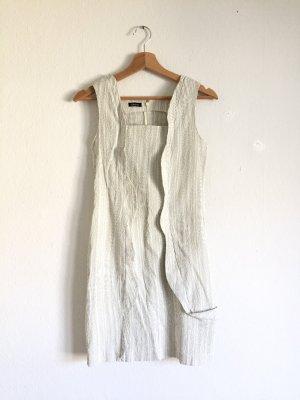Hochwertiges enganliegendes Designer Minikleid in weiß mit Rüschen