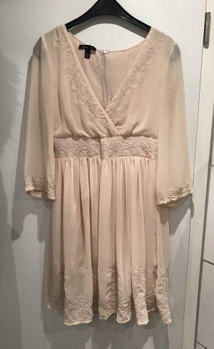 Hochwertiges Kleid von Mango Suit