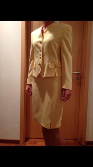hochwertiges Kostüm von Basler
