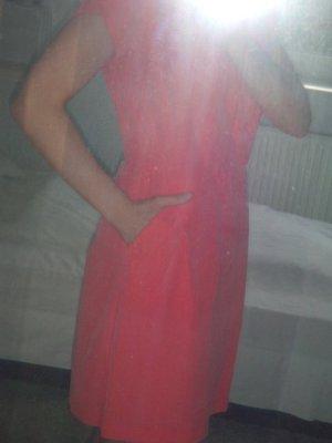 Hochwertiges kurzes Sommer-Kleid in koralle mit Taschen von Campus, NEU in 36
