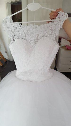 Hochzeitkleid mit Tüll