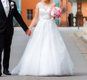Kleemeier Hof Wedding Dress white