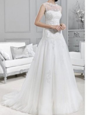 Agnes Wedding Dress cream