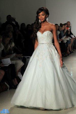 Robe de mariée vert pâle