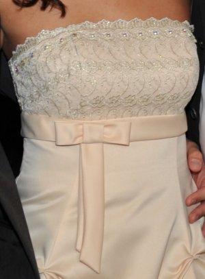 Hochzeitskleid / Brautkleid Bandeau kurz Apart