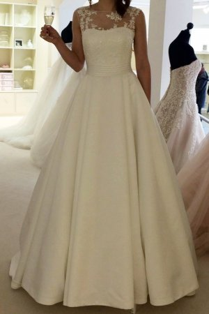 Hochzeitskleid / Brautkleid (Elizabeth Passion) NEU + Reifrock