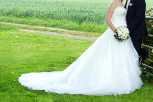 Hochzeitskleid Brautkleid Gr.38-42 Ivory inkl. Reifrock