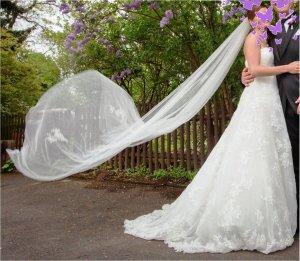 Hochzeitskleid / Brautkleid, La Sposa, schulterfrei, Schleppe