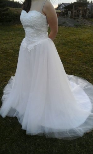 Brautkleider günstig kaufen | Second Hand | Mädchenflohmarkt
