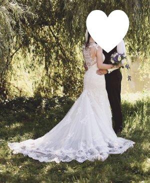 Hochzeitskleid Brautkleid Spitze Essense of Australia ivory Größe 38