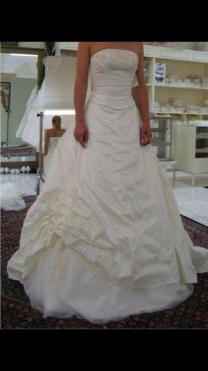 Hochzeitskleid  der Marke Elizabeth Conin