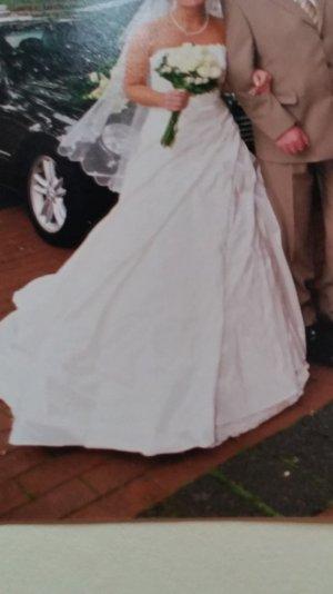 Hochzeitskleid Gr. 32/34 in champagner