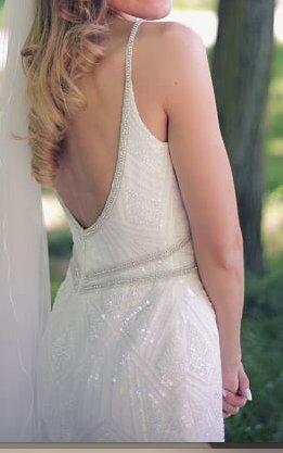 Hochzeitskleid IGAR 34 elegant mit Perlen geschmückt