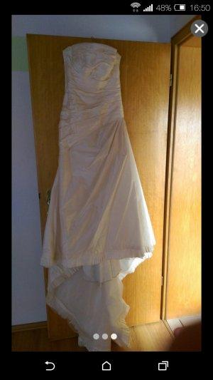 Bruidsjurk wolwit-licht beige Zijde