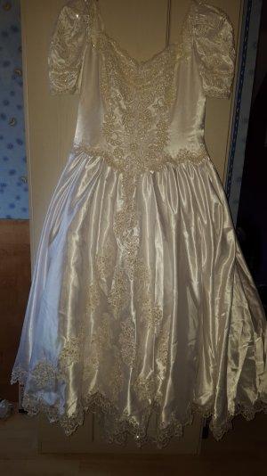 Hochzeitskleid mit Pailletten