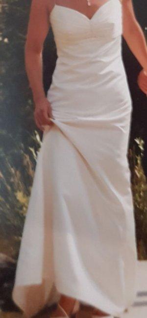 Hochzeitskleid mit Verzierung