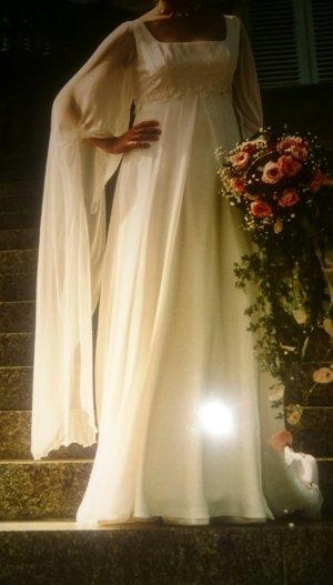"""Hochzeitskleid von """"La Sposa"""" im Empire Stil"""