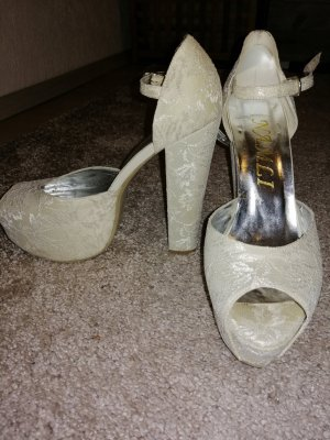 High Heels cream-oatmeal