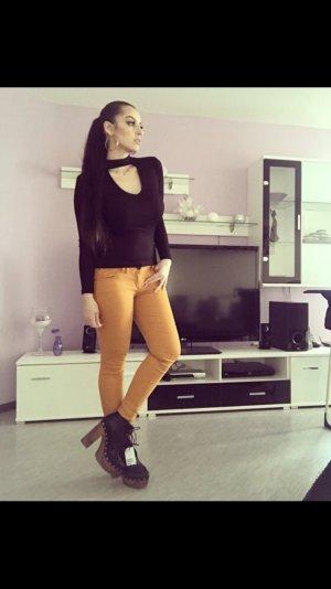 hohe ankle high heel boots in schwarz braun mit goldenen nieten