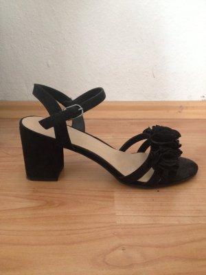 Hohe Riemchen- Sandalen
