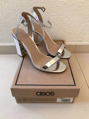 Hohe Sandaletten in Silber