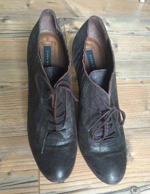 Hohe Schnürstiefeletten aus Leder in dunkelbraun