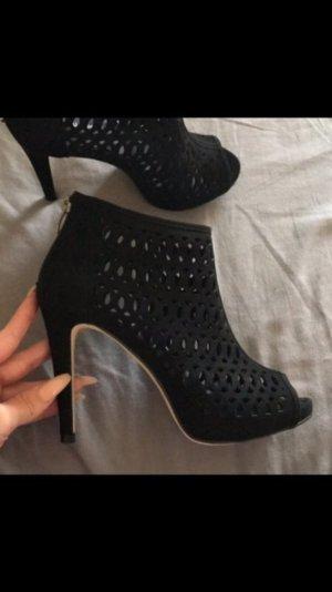 Hohe Schuhe aus der Ellie Star Collection