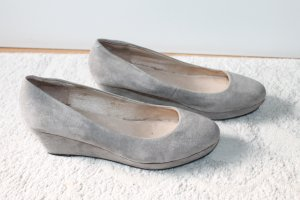 Hohe Schuhe in beige