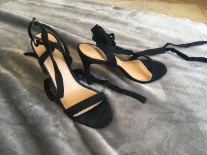 Hohe Schuhe von Asos in Schwarz