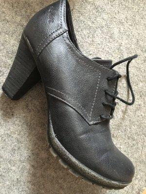 Hohe Schuhe von S.Oliver