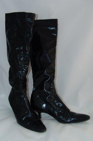 Hohe schwarze Stiefel mit Krokoprägung Gr. 38