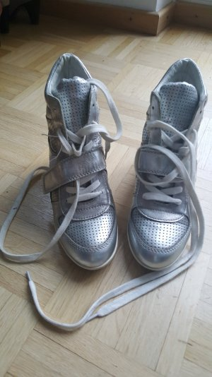 hohe Sneaker in silber