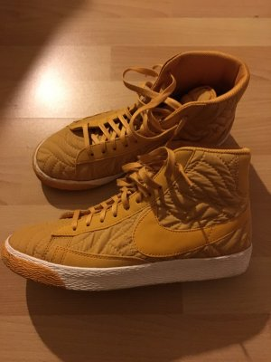 Hohe Sneaker von Nike