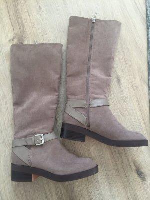 Hohe Stiefel von Zara