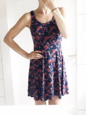 Hollister Blümchen Kleid Baumwolle Sommer Rückenausschnitt S 36 NEU
