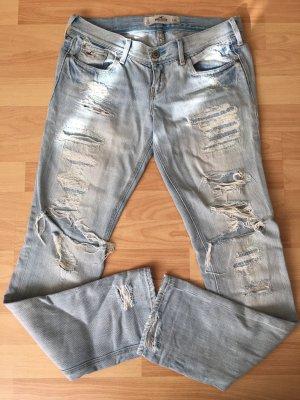 Hollister boyfriend jeans destroyed