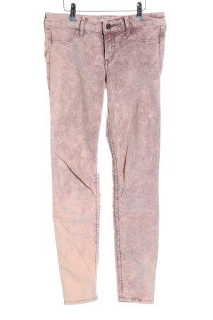 Hollister Pantalón de pana rosa degradado de color look casual