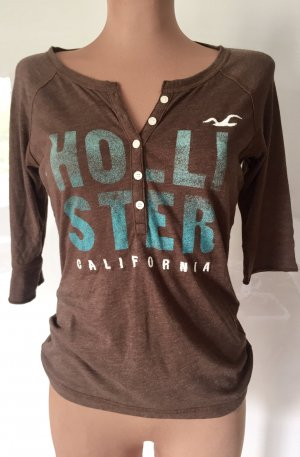 Hollister elbow sleeve shirt, size L