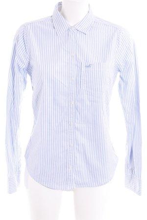 Hollister Blouse-chemisier blanc-bleu clair motif rayé style décontracté