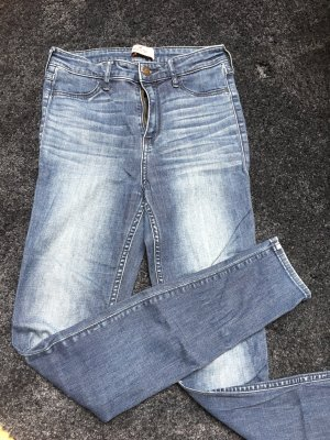 0a875bb4f0cd Hollister / Highwaist Jeggins in mittelblau
