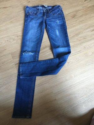 Hollister Hose Jeans W 23 L 31 00R 32 34 XS XXS destroyed Röhrenjeans