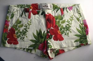 Hollister Hot Pants Floral