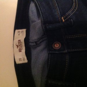HOLLISTER Jeans 7R/ W28/L29 dunkle Waschung