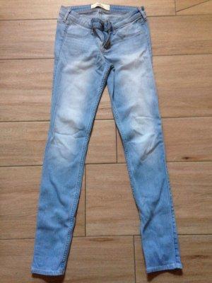 Hollister Jeans Leggings Größe 5L W27 L31 hellblau