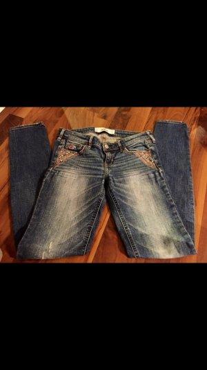 Hollister Jeans mit schönen Details